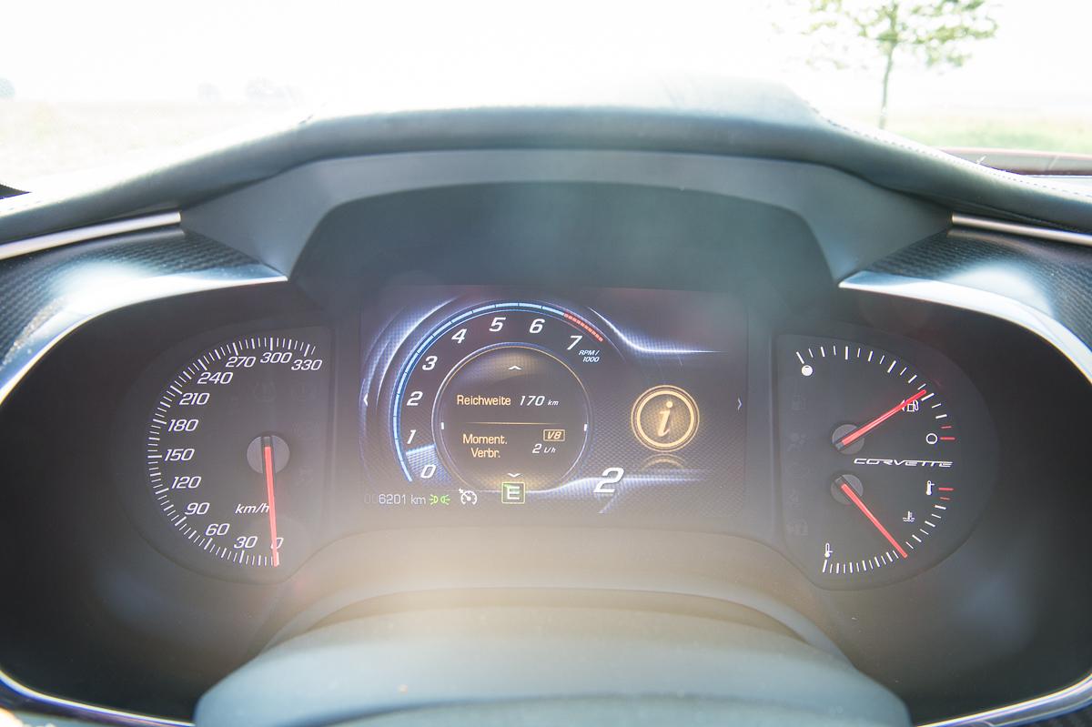 2014-Chevrolet-Corvette-C7-Stingray-Targa-EU-rot-26