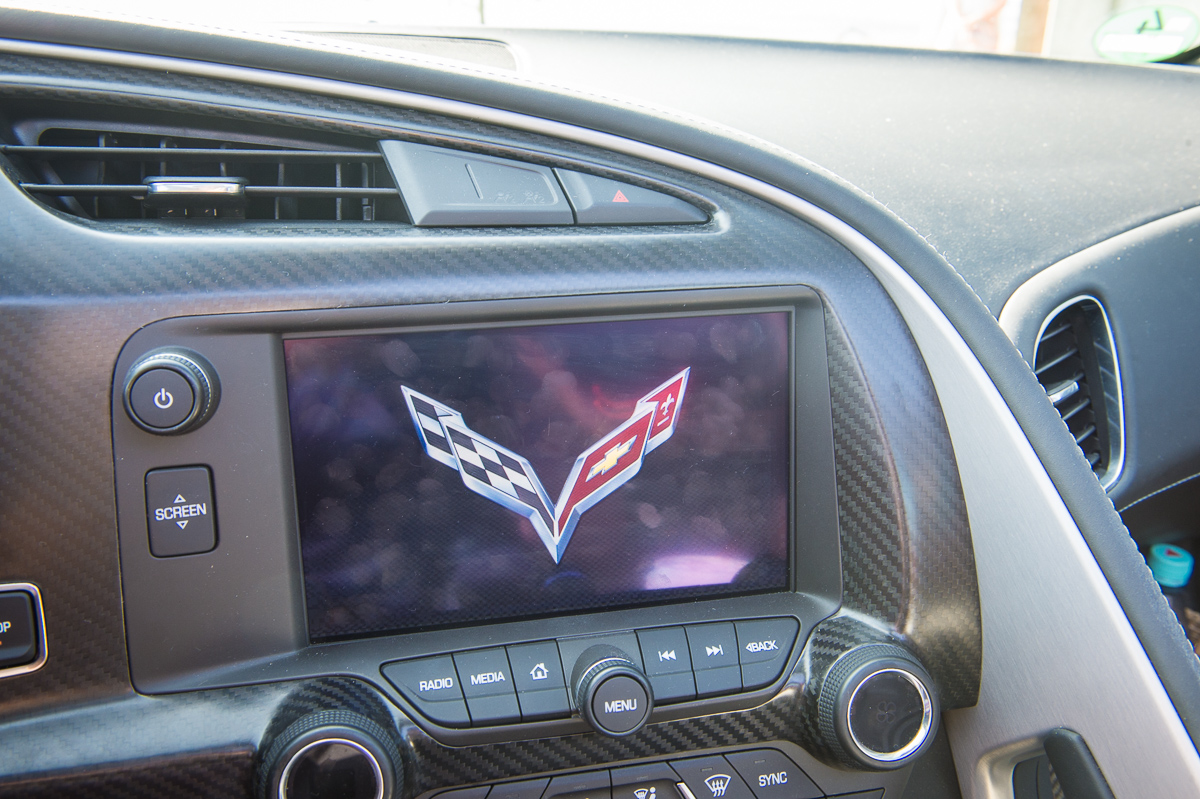 2014-Chevrolet-Corvette-C7-Stingray-Targa-EU-rot-32