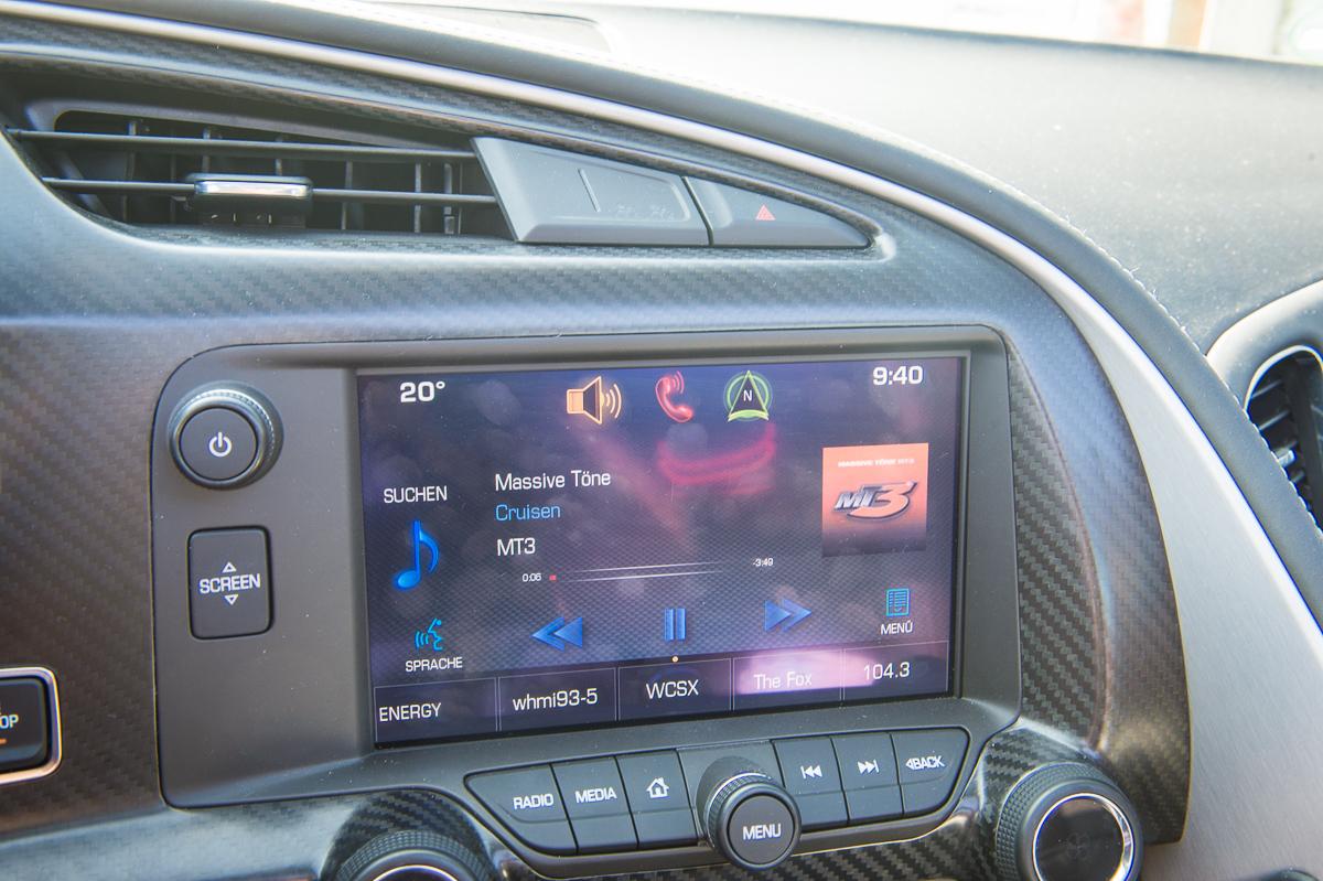 2014-Chevrolet-Corvette-C7-Stingray-Targa-EU-rot-33
