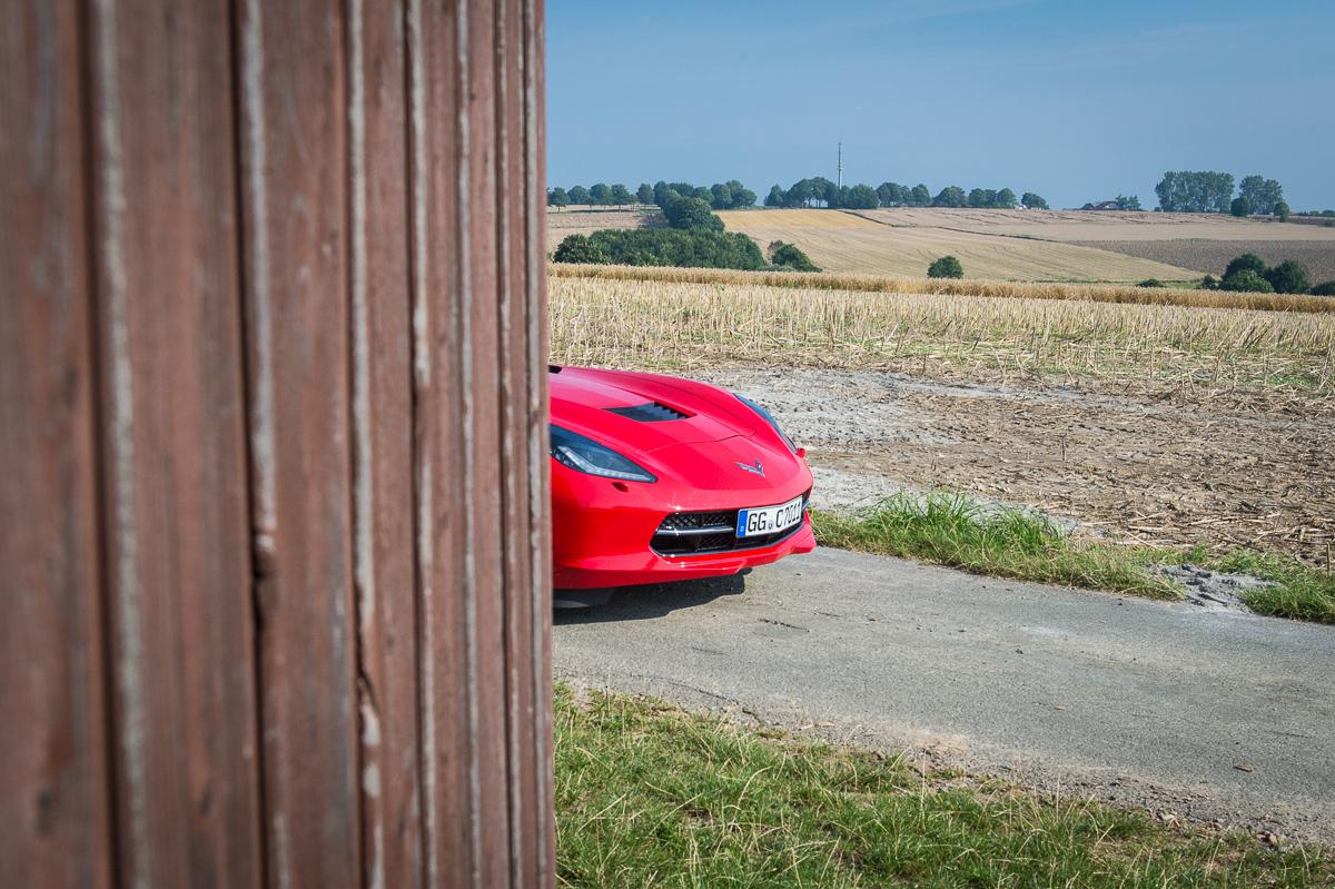 2014-Chevrolet-Corvette-C7-Stingray-Targa-EU-rot-37