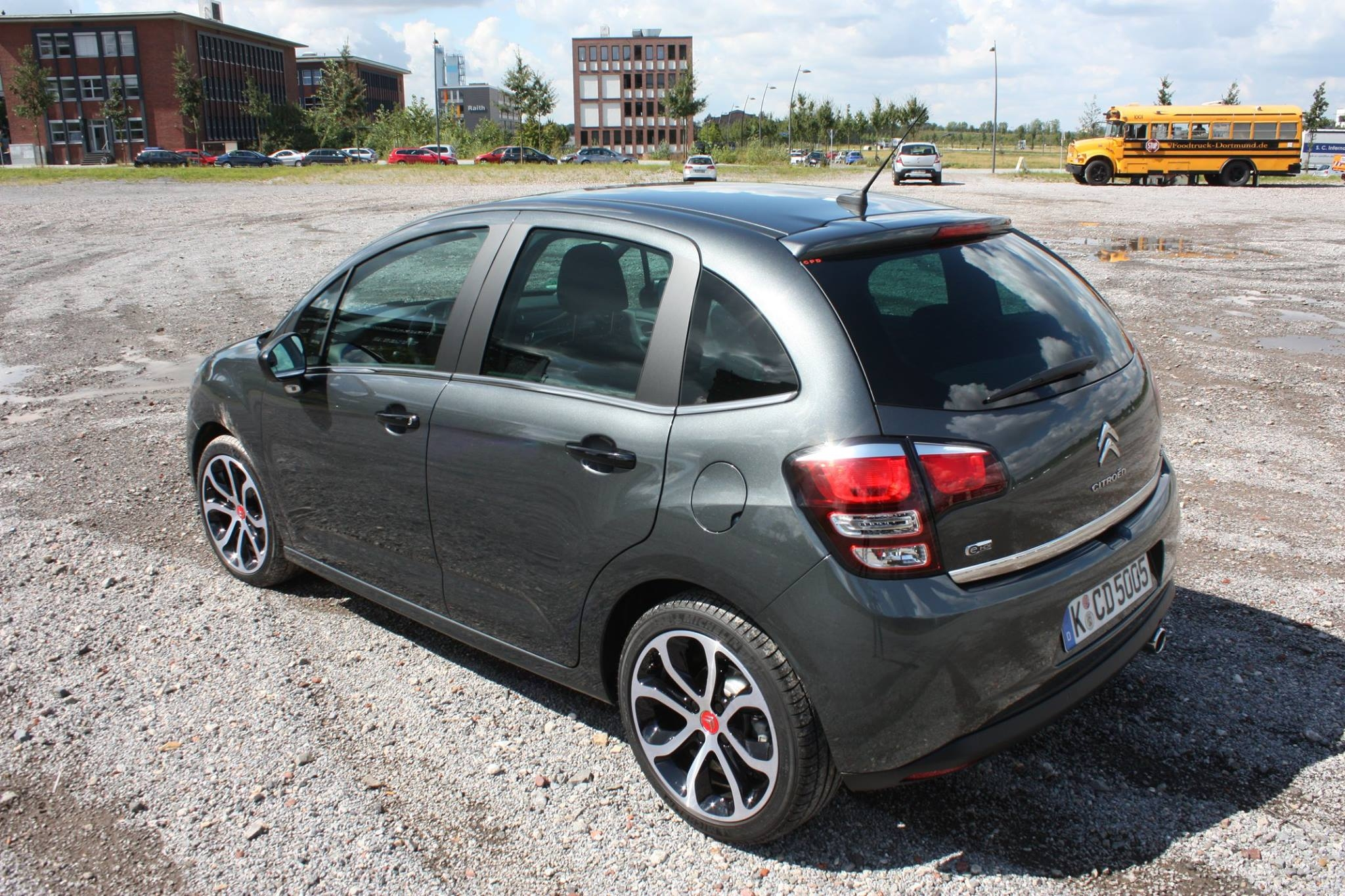 2014-Citroen-C3-eHDi115-Red-Block-10
