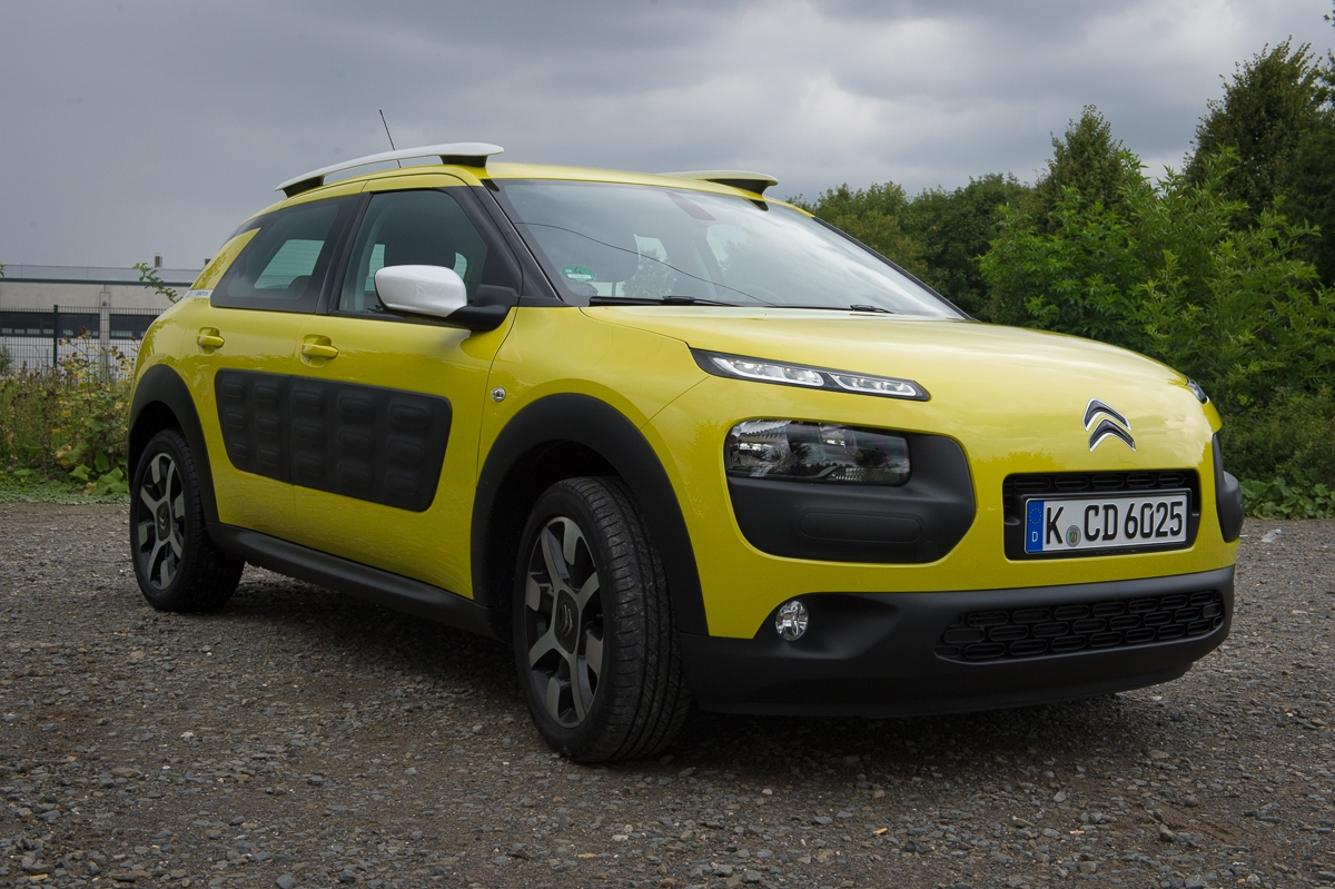2014-citroen-c4-cactus-e-hdi-92-etg6-feel-hello-yellow-07