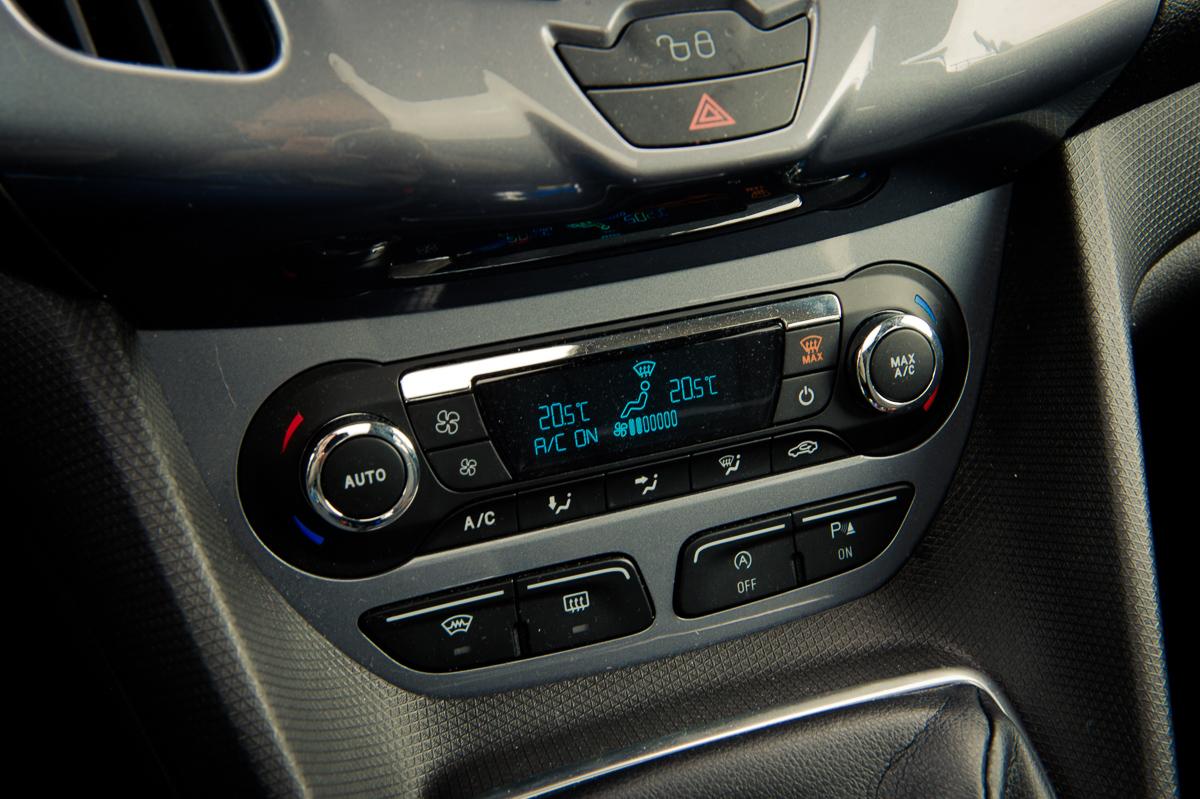 2014-Ford-Torneo-Connect-10-ecoboost-titanium-indic-blau-20
