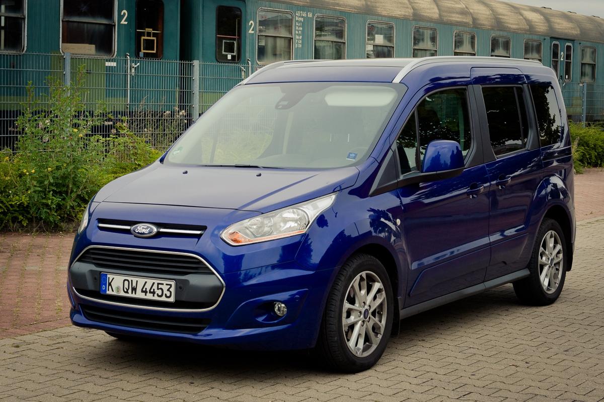 2014-Ford-Torneo-Connect-10-ecoboost-titanium-indic-blau-02