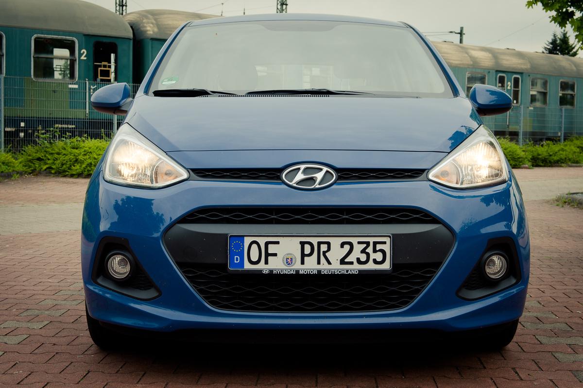 2014-Hyundai-i10-trend-morning-blue-02