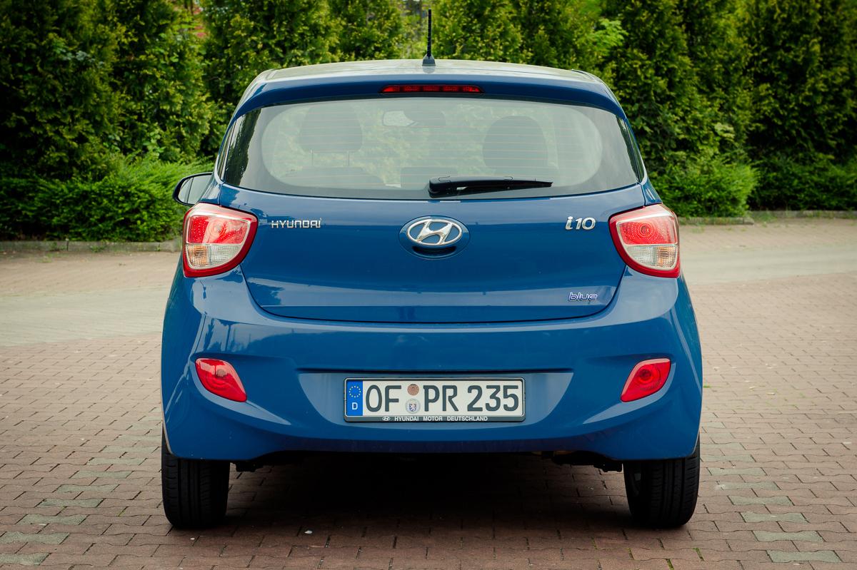 2014-Hyundai-i10-trend-morning-blue-07