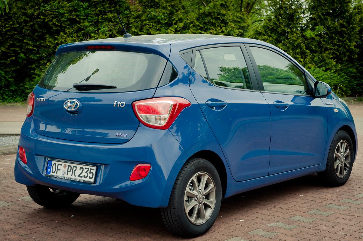 2014-Hyundai-i10-trend-morning-blue-08