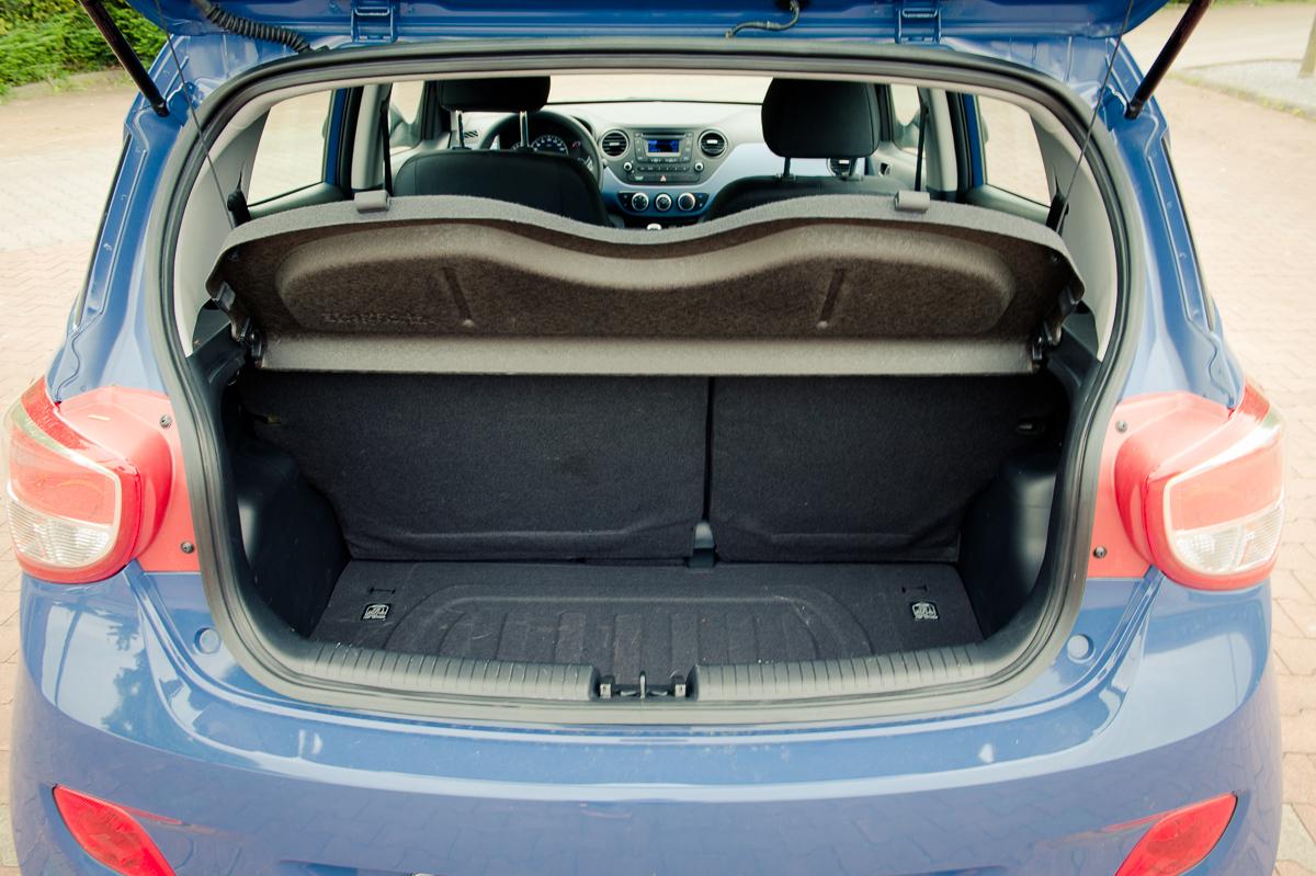 2014-Hyundai-i10-trend-morning-blue-10