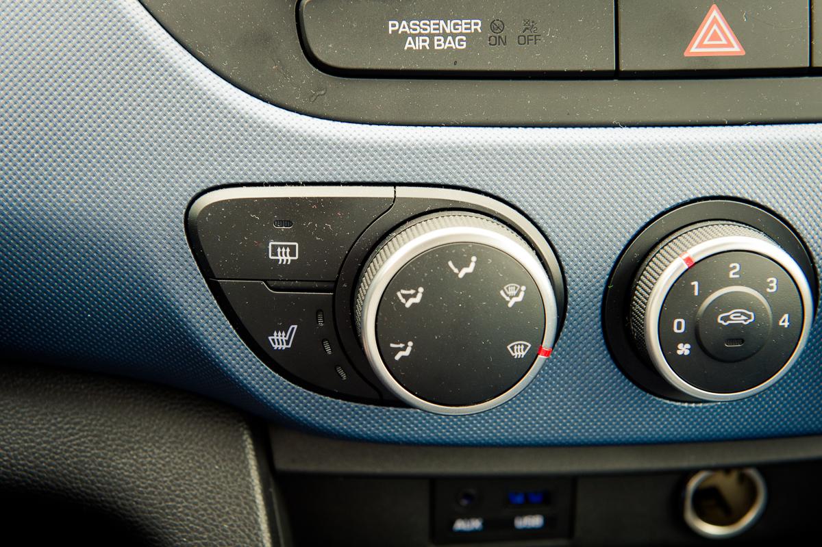 2014-Hyundai-i10-trend-morning-blue-20