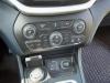 2014-Jeep-Cherokee-42-v6-limited-blau-27