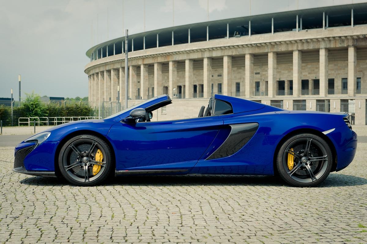 2014-McLaren-650S-Spider-blau-Berlin-03