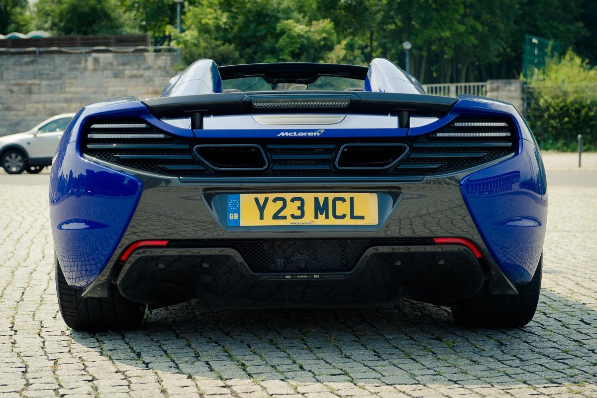 2014-McLaren-650S-Spider-blau-Berlin-10