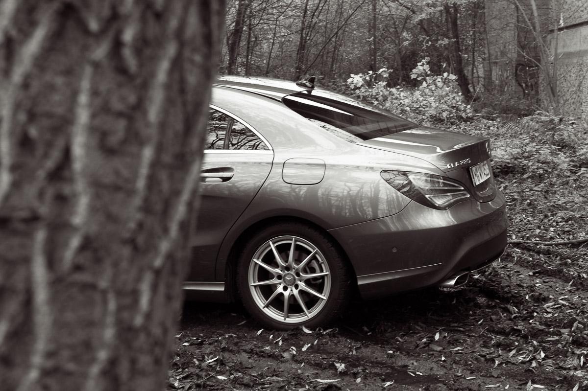 2014-Mercedes-Benz-CLA-220-CDI-grau-03