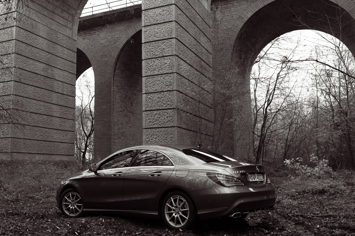 2014-Mercedes-Benz-CLA-220-CDI-grau-04
