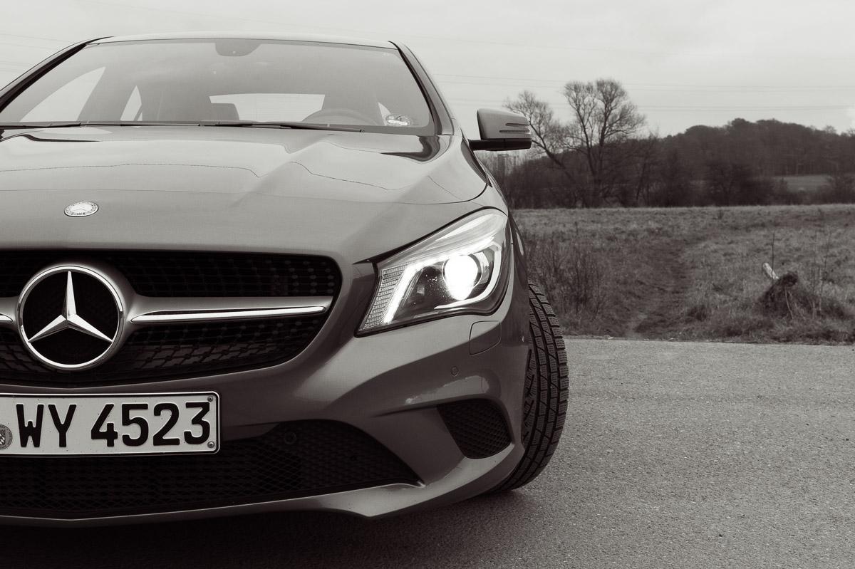 2014-Mercedes-Benz-CLA-220-CDI-grau-15