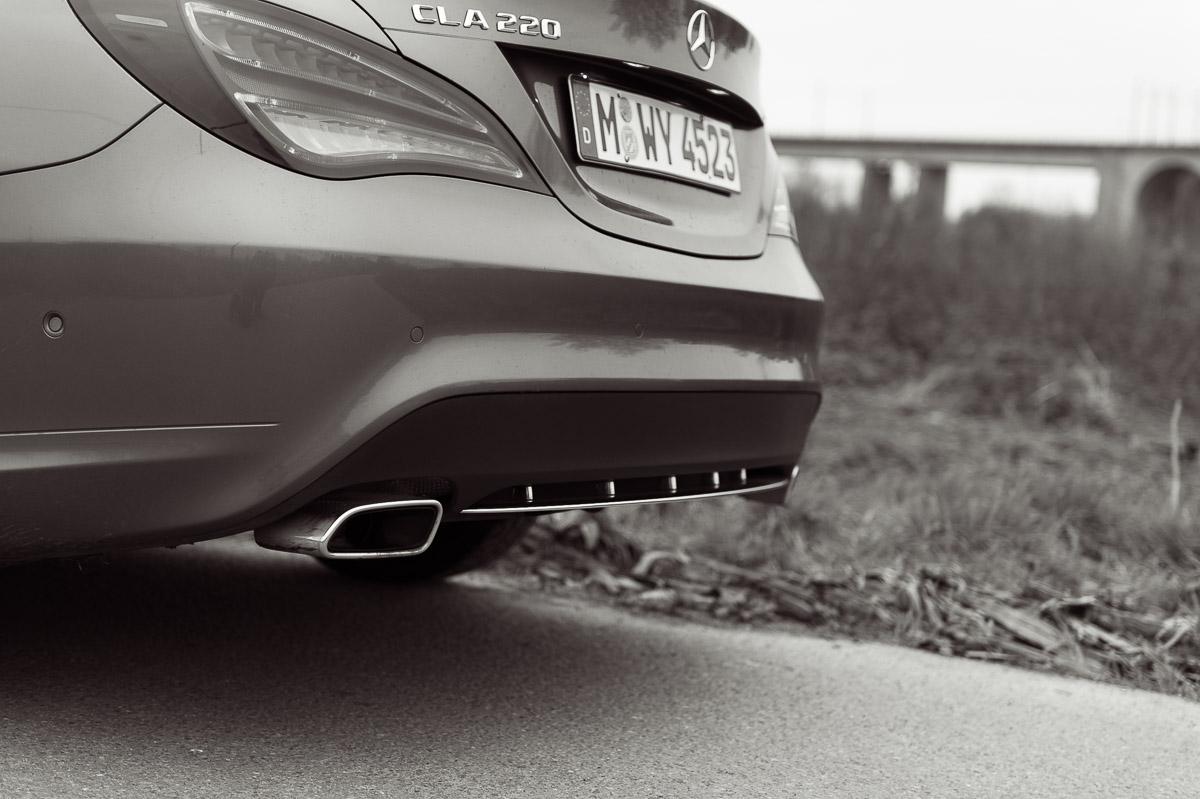 2014-Mercedes-Benz-CLA-220-CDI-grau-17