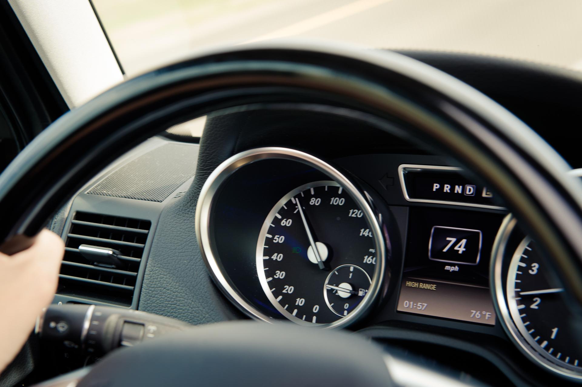 2014-Mercedes-Benz-G500-G550-braun-Kalifornien-mbrt14-19