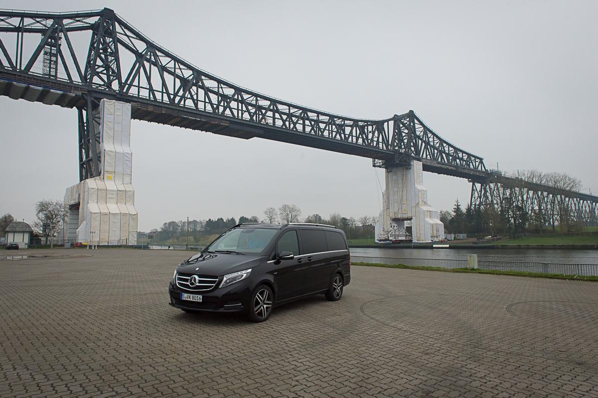 2014-Mercedes-Benz-V-Klasse-V250-BlueTEC-Edition1-schwarz-11