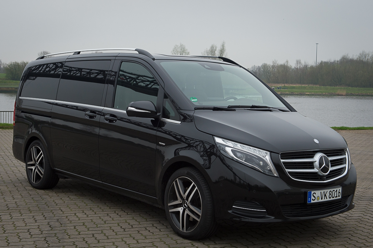 2014-Mercedes-Benz-V-Klasse-V250-BlueTEC-Edition1-schwarz-14