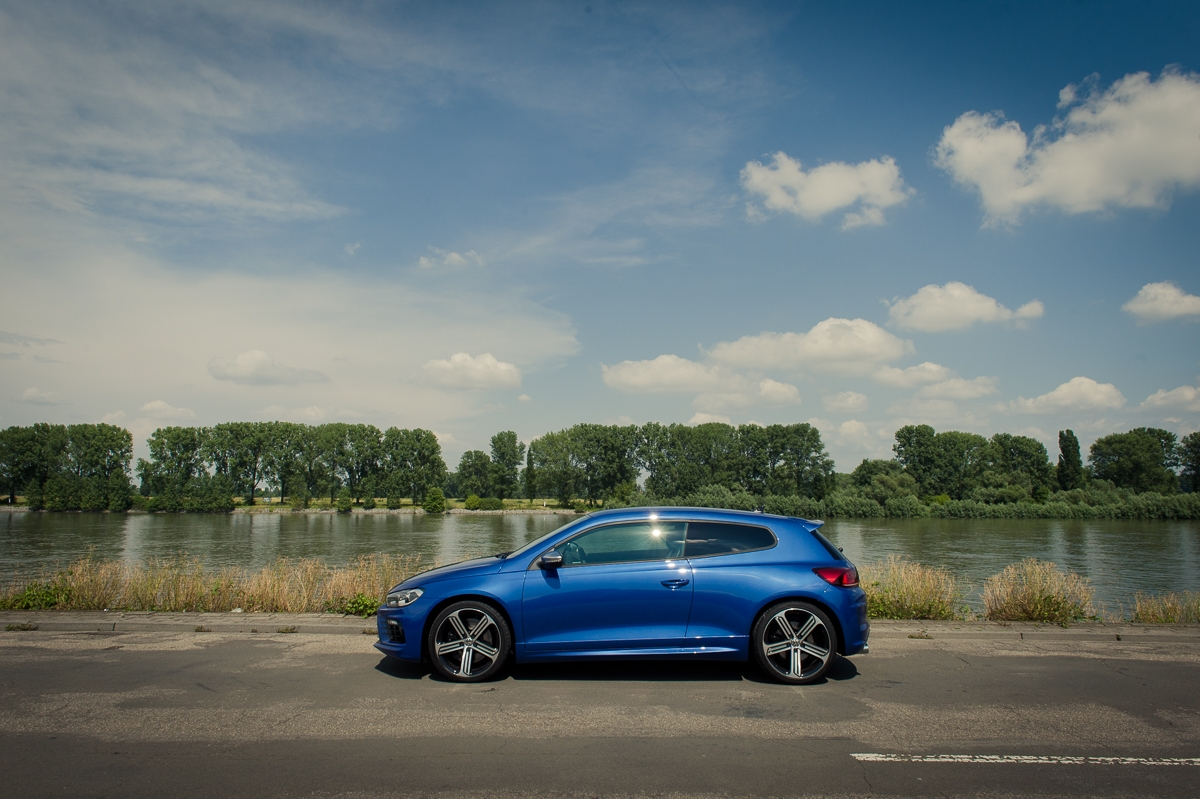 2014-volkswagen-vw-scirocco-r-facelift-rising-blue-metallic-03