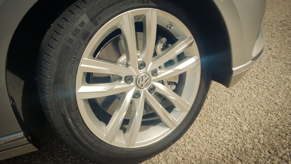 2014-Volkswagen-VW-Passat-20-TDI-4MOTION-02