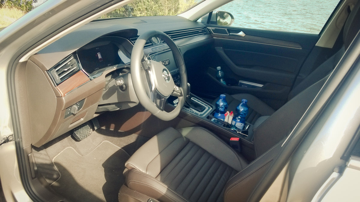 2014-Volkswagen-VW-Passat-20-TDI-4MOTION-10