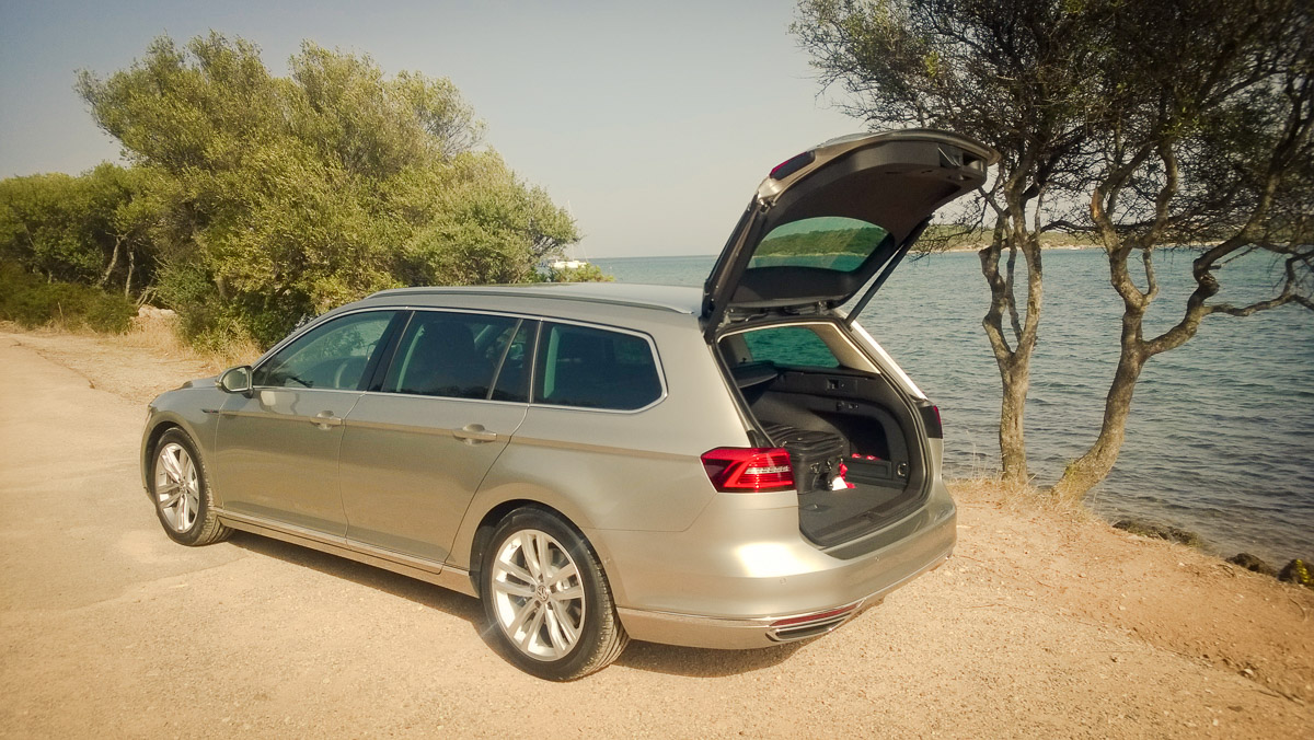 2014-Volkswagen-VW-Passat-20-TDI-4MOTION-13