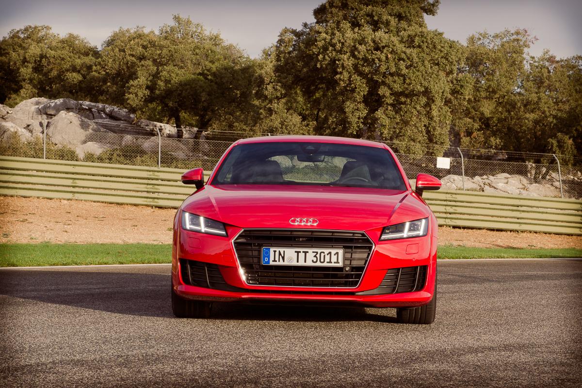 2015-Audi-TT-20-TFSI-sline-rot-8S-Ascari-01