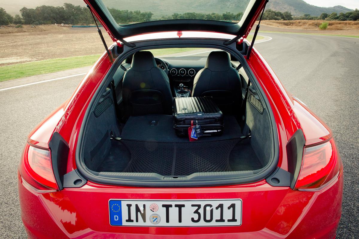 2015-Audi-TT-20-TFSI-sline-rot-8S-Ascari-07