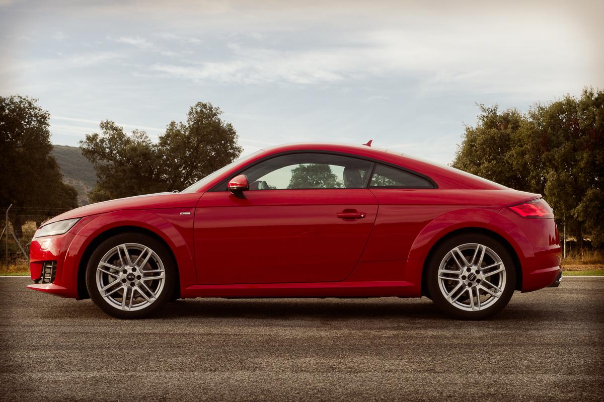 2015-Audi-TT-20-TFSI-sline-rot-8S-Ascari-17