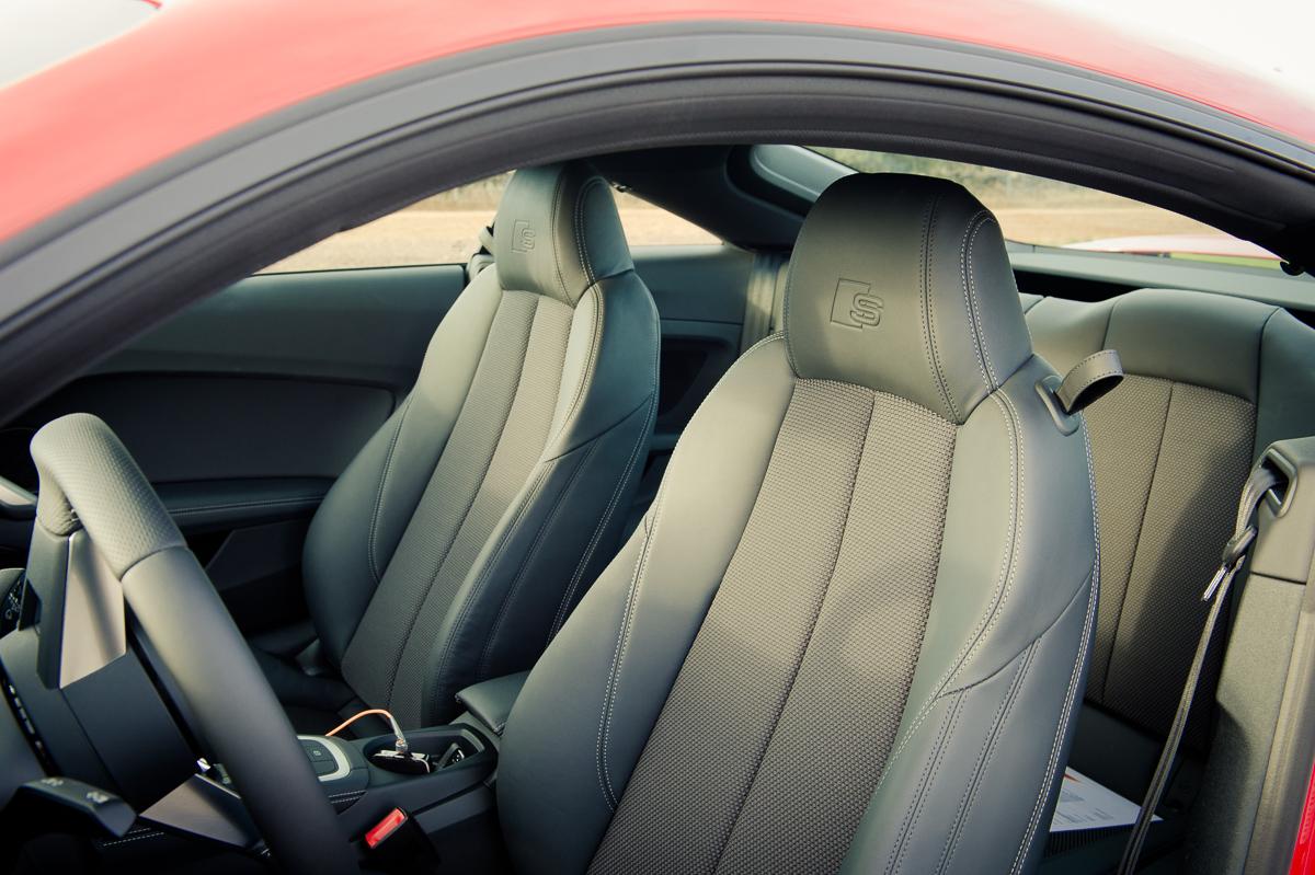 2015-Audi-TT-20-TFSI-sline-rot-8S-Ascari-36