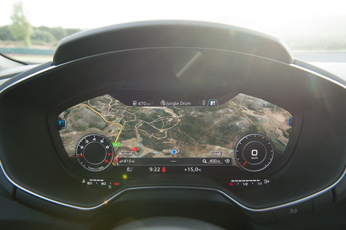 2015-Audi-TT-20-TFSI-sline-rot-8S-Ascari-37