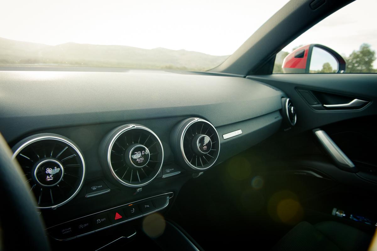 2015-Audi-TT-20-TFSI-sline-rot-8S-Ascari-39