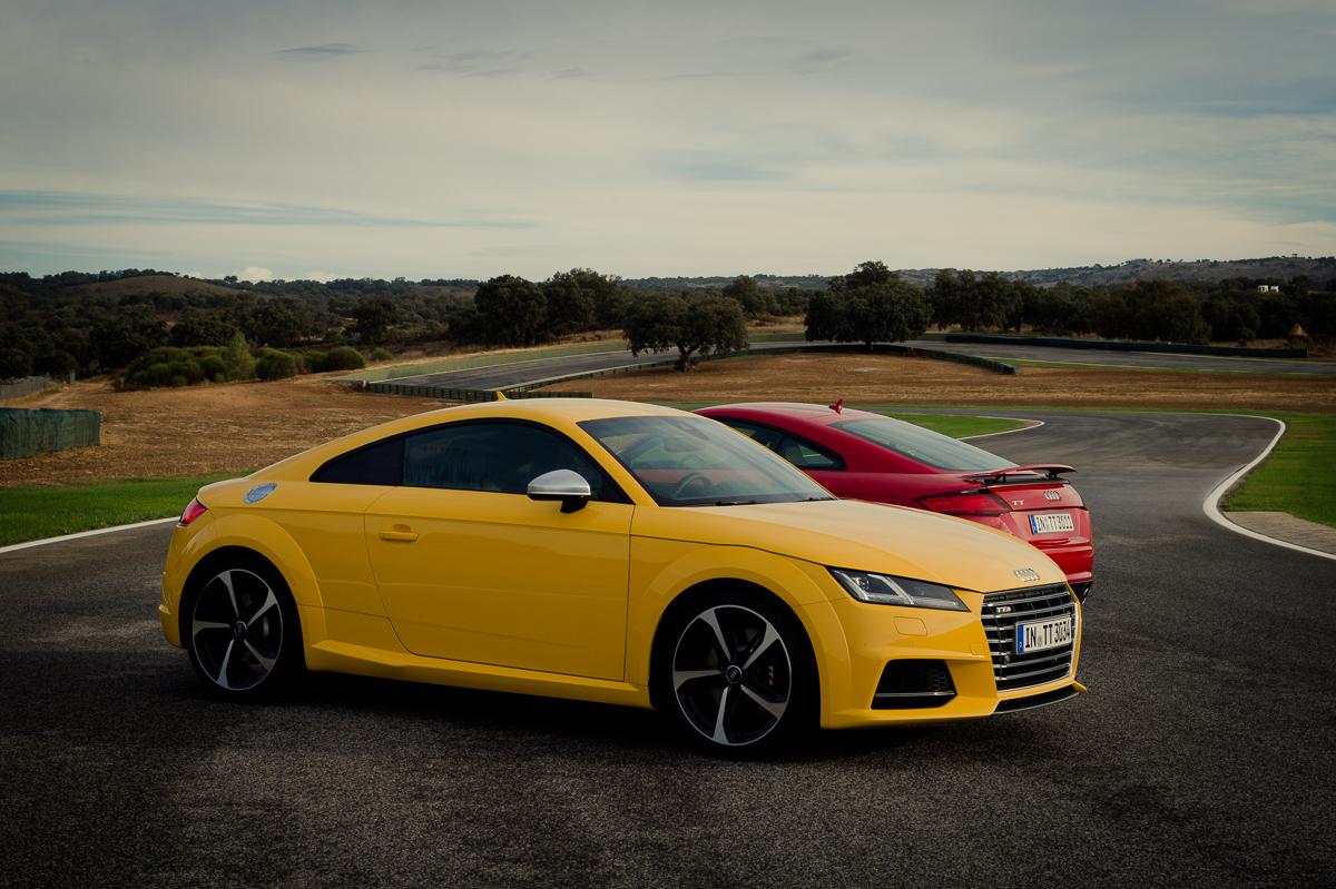 2015-Audi-TT-20-TFSI-sline-rot-8S-Ascari-53