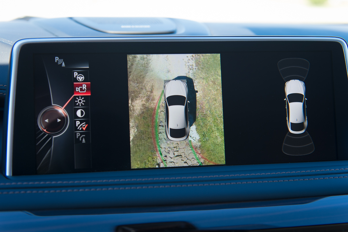 2015-BMW-X6-F16-weiss-spartanburg-10