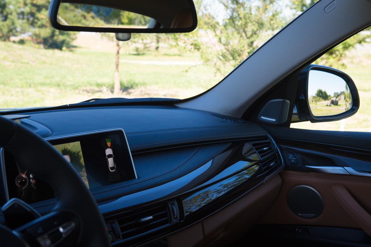 2015-BMW-X6-F16-weiss-spartanburg-40
