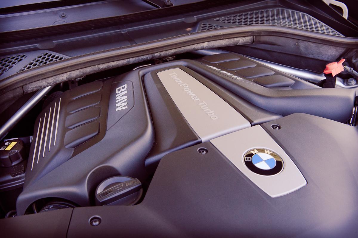 2015-BMW-X6-F16-weiss-spartanburg-41
