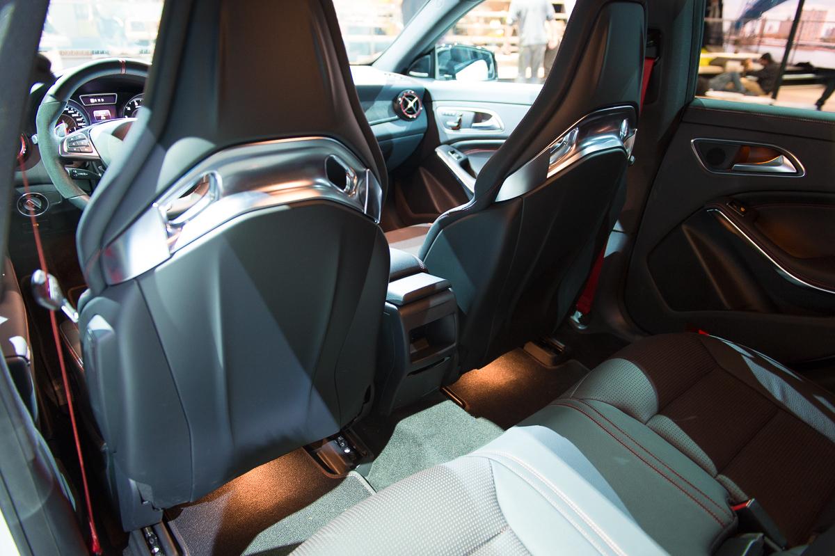 2015-Mercedes-AMG-CLA-45-Shooting-Brake-gletscherweiss-X117-10