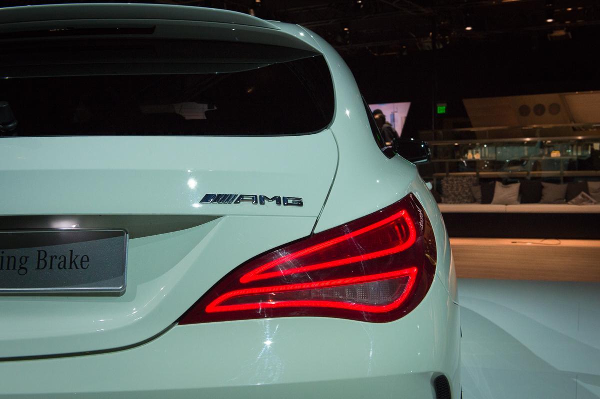2015-Mercedes-AMG-CLA-45-Shooting-Brake-gletscherweiss-X117-12
