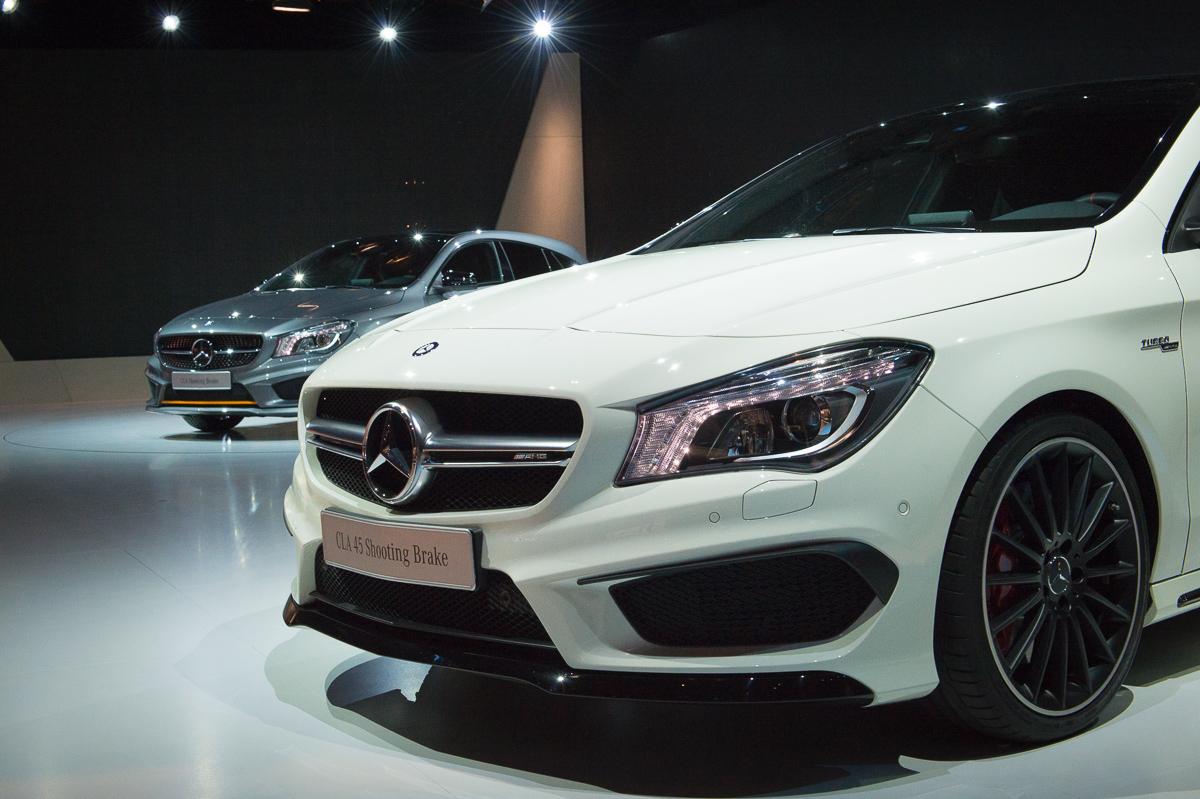 2015-Mercedes-AMG-CLA-45-Shooting-Brake-gletscherweiss-X117-16