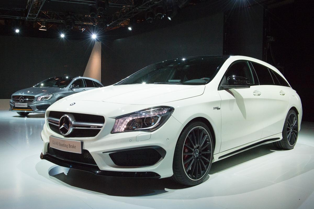 2015-Mercedes-AMG-CLA-45-Shooting-Brake-gletscherweiss-X117-15