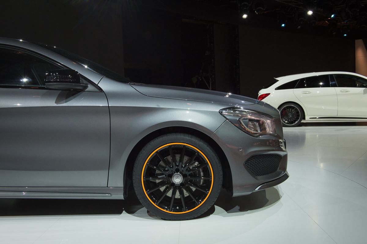 2015-Mercedes-Benz-CLA-250-4MATIC-Shooting-Brake-OrangeArt Edition-X117-02