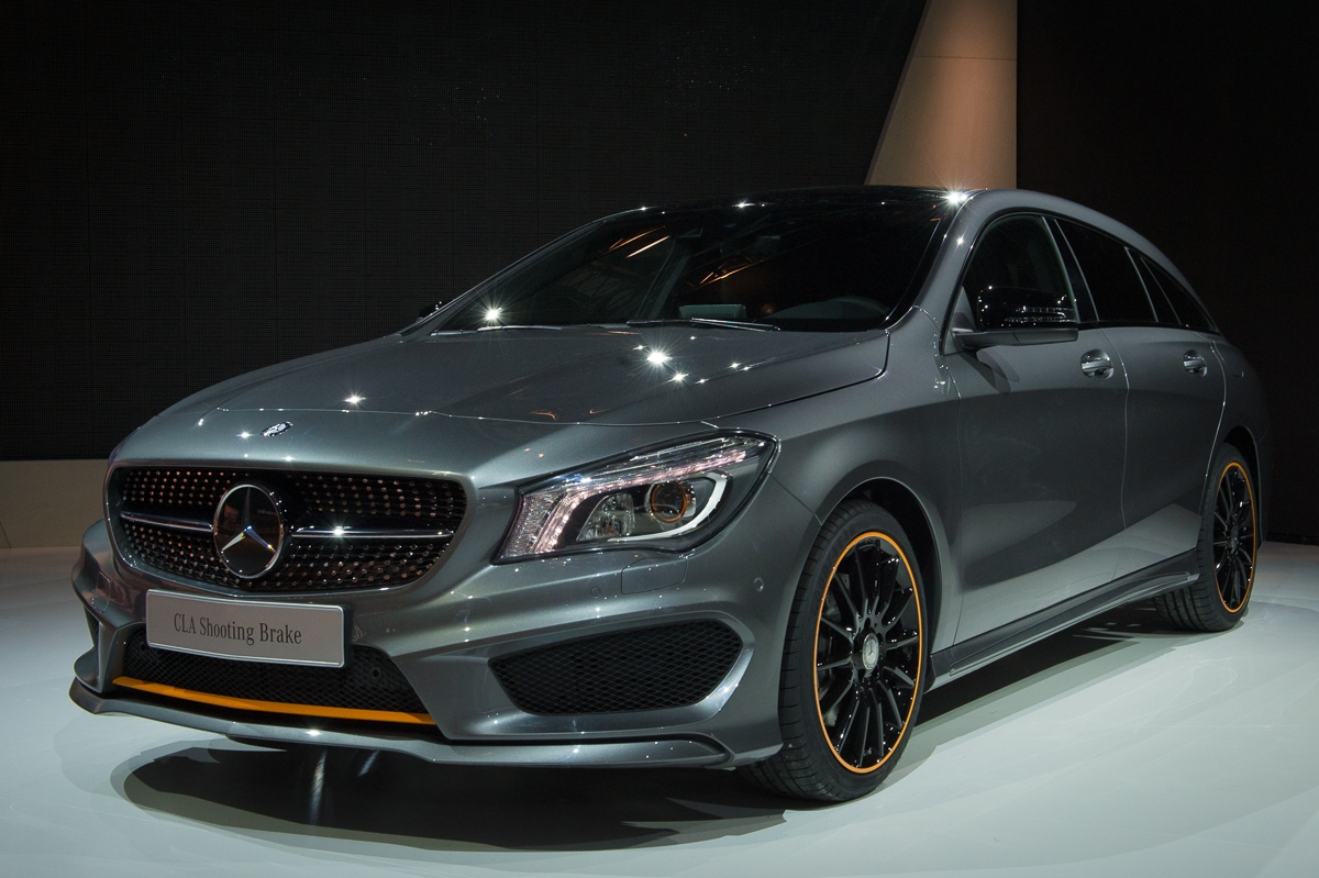 2015-Mercedes-Benz-CLA-250-4MATIC-Shooting-Brake-OrangeArt Edition-X117-07