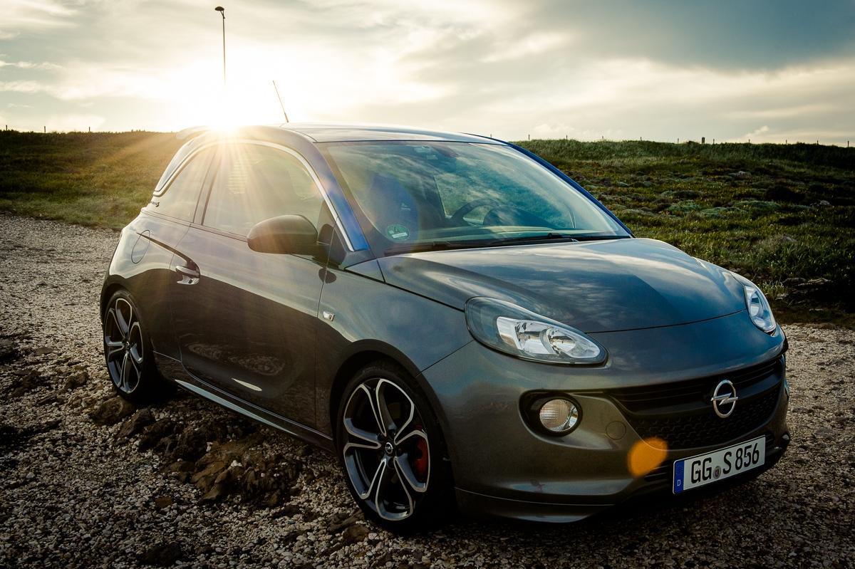 2015-Opel-Adam-S-grau-blau-Portugal-09