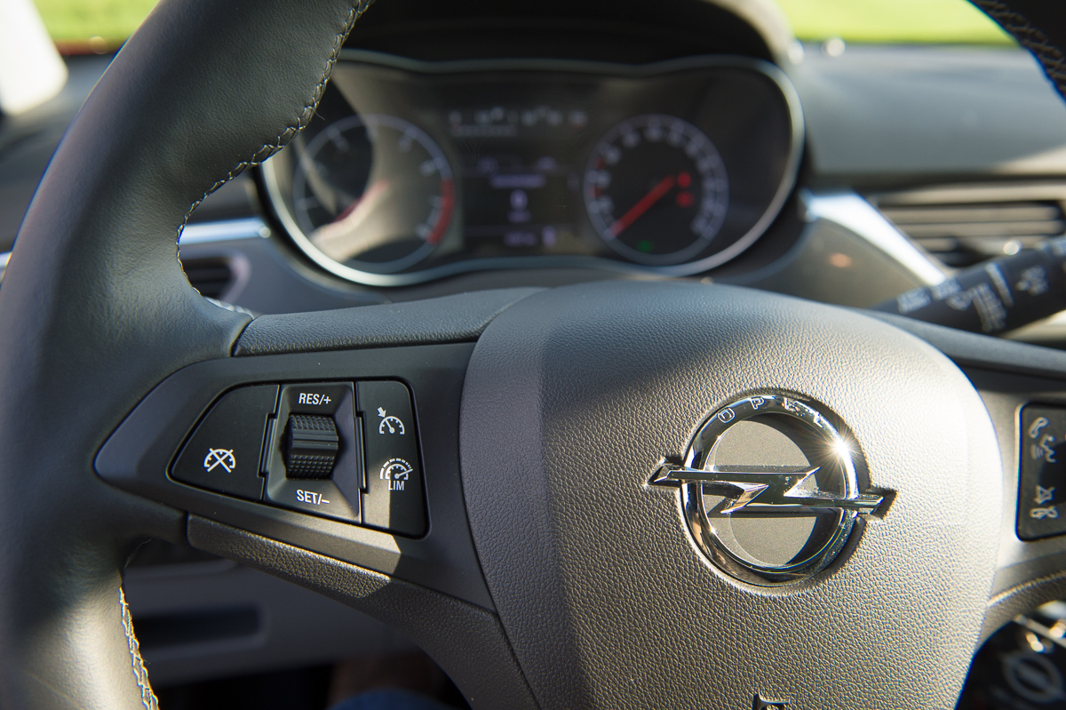 2015-opel-corsa-e-10-turbo-magna-rot-26