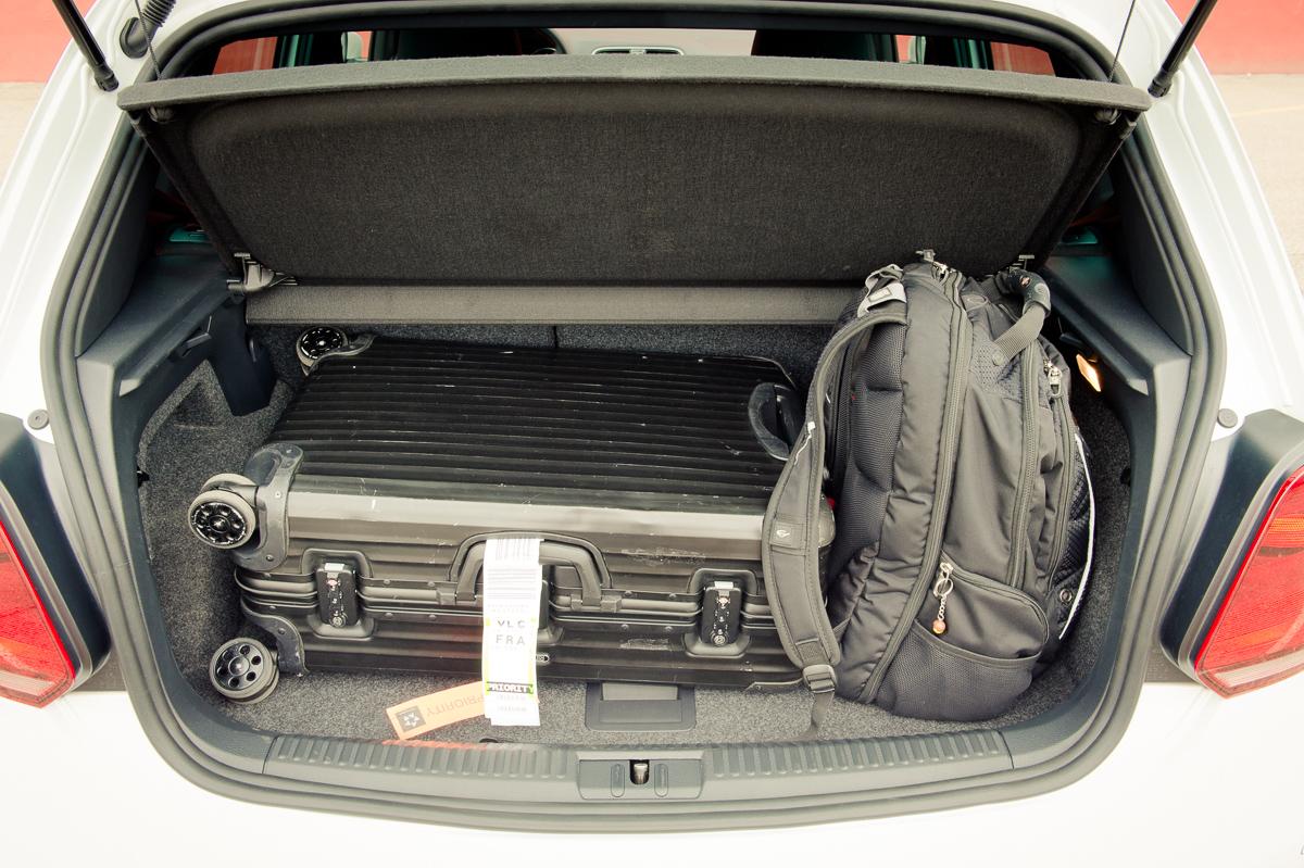 2015-Volkswagen-VW-Polo-GTI-6R-onyx-weiss-27