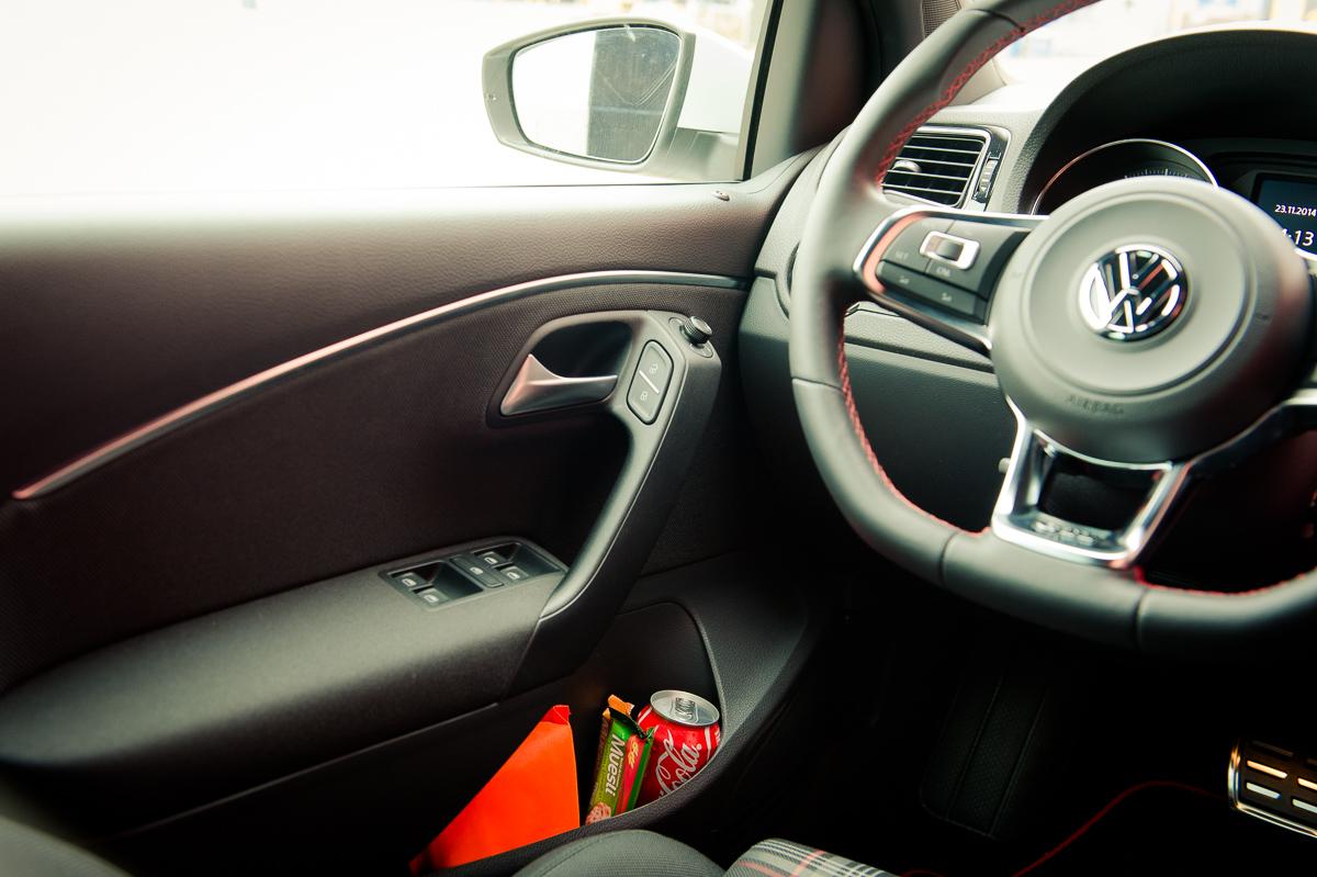 2015-Volkswagen-VW-Polo-GTI-6R-onyx-weiss-51