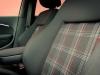 2015-Volkswagen-VW-Polo-GTI-6R-onyx-weiss-42