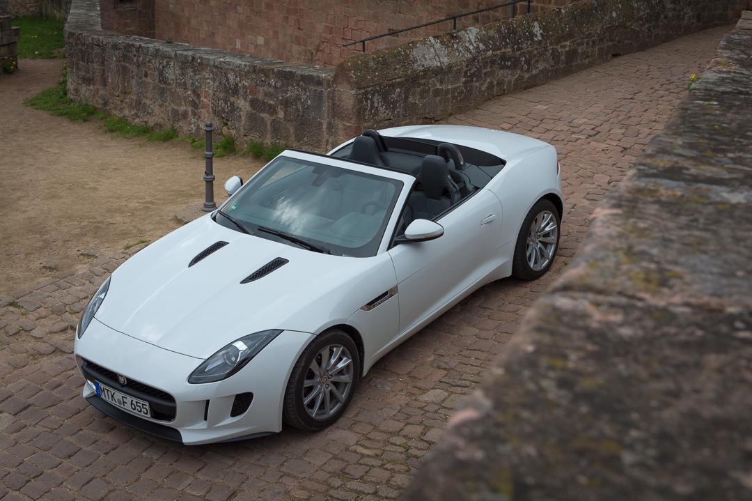 2013-jaguar-ftype-v6-polaris-white-michelstadt-01