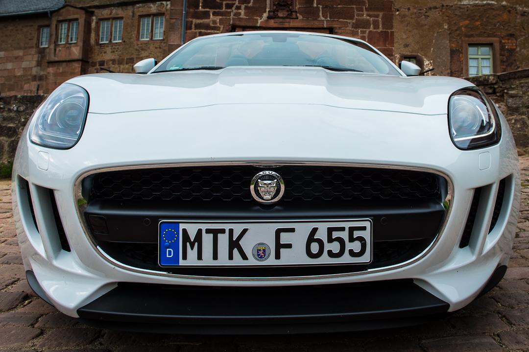 2013-jaguar-ftype-v6-polaris-white-michelstadt-05